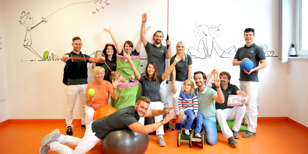 Team_Therapieraum-Wuppertal_Physiotherapie_Ergotherapie_2-paralax